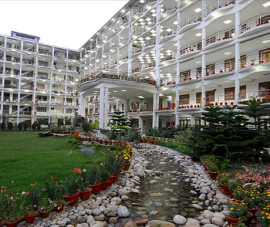 ERA'S LUCKNOW MEDICAL COLLEGE AN HOSPITAL [LUCKNOW]